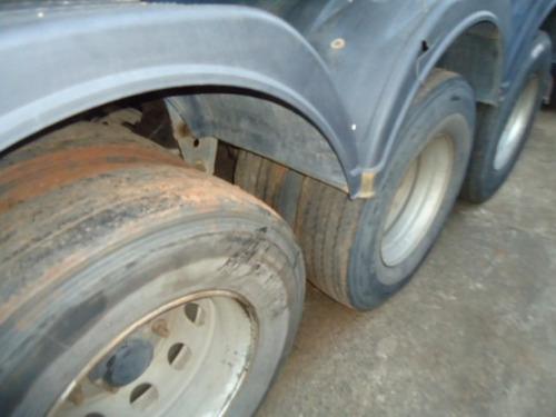 carreta  randon  basculante ano 1998 com pneus