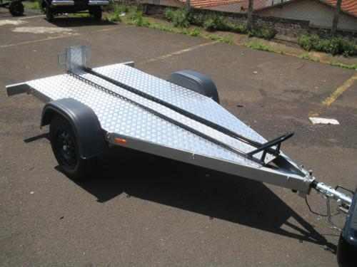 carreta reboque basculante para uma moto bravo carretas