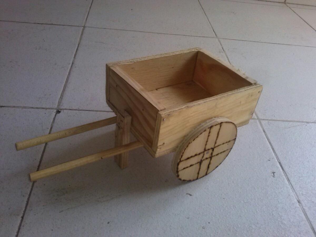 Carretas de madera recuerdos o dulceros para boda o xv for Adornos de madera para pared