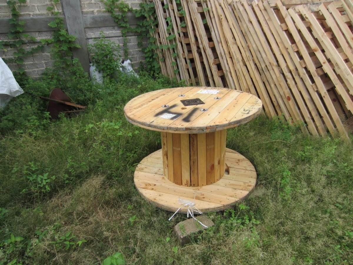 Carrete o bobina de madera para cable manguera o mesa for Vendo caseta madera jardin