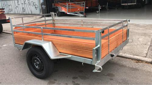 carretinha fazendinha com bau ou carreta carga e moto