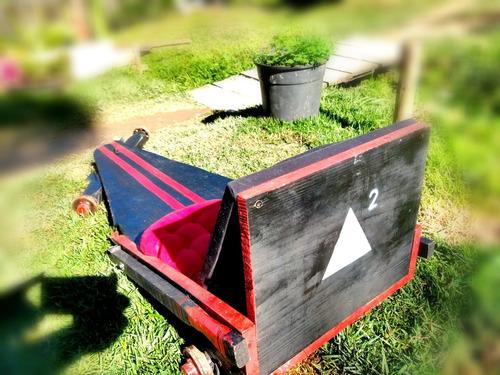 carrinho de rolimã, preto com vermelho, artesanal, semi-novo