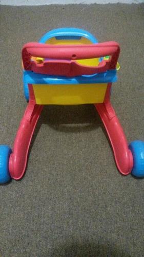carrito de compras (o de mercado)de juguete.