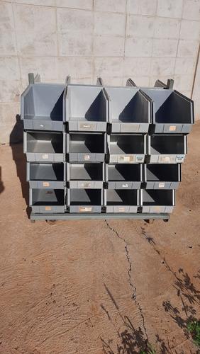 carrito organizador con 32 cajas.