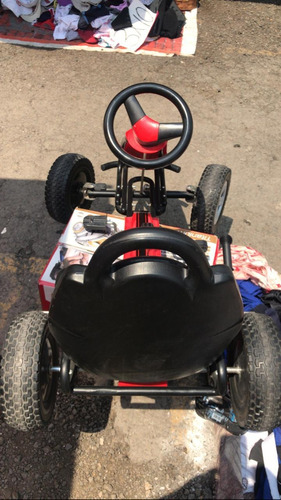 carrito rojo de pedales y freno de mano no eléctrico nuevo..