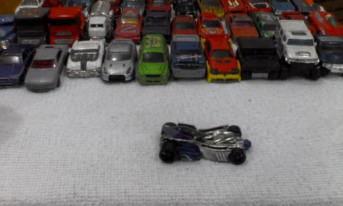 carro a escala hot wheels motoblade de 2001