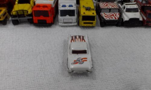 carro a escala hotwheels thunderbird 1977