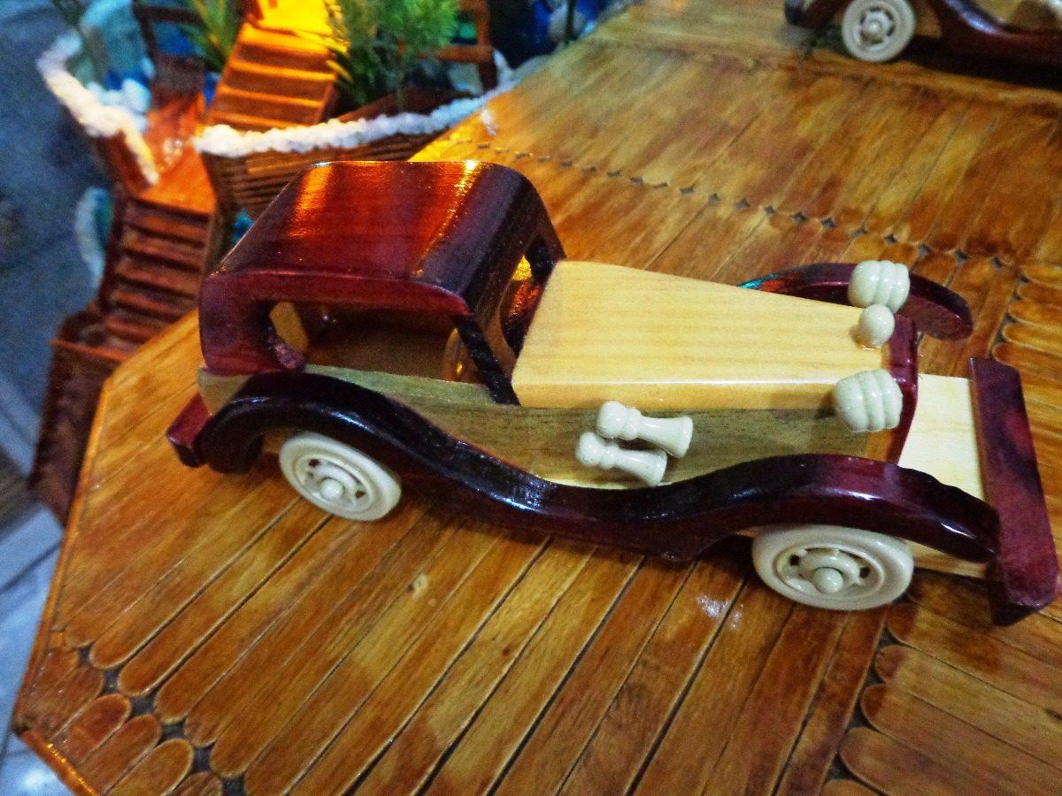 466afacf2fe carro antigo réplica artesanal em madeira. Carregando zoom.