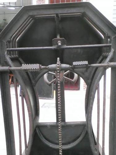 carro antiguo pedal