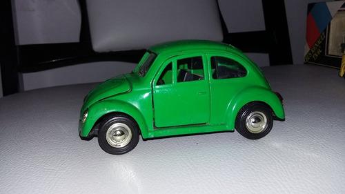 carro de brinquefo fuca de ferro verde antigo
