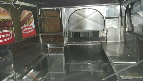 carro de chorizos y hamburguesas