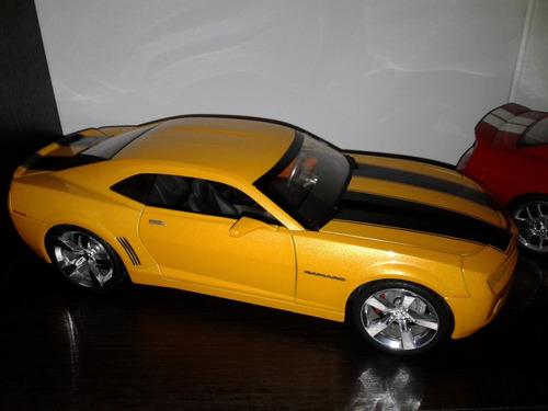 carro de colección escala 1/18 chevrolet camaro ss rs