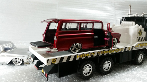 carro de coleccion jada suburban escala 1/24 (27 vdes)
