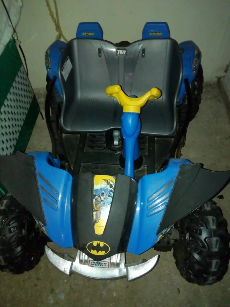 Carro De Juguete A Bateria Marca Power Wheels Bs 260 000 00 En