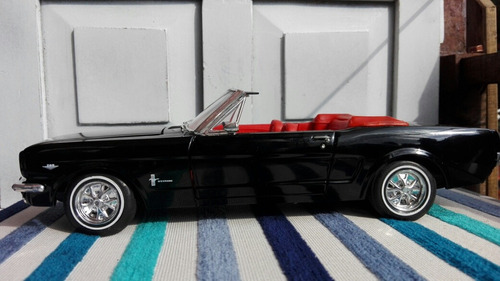 carro escala 1:18 ford mustang 1965