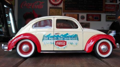 carro escala 1:18. volkswagen beetle 1958.marca: sólido