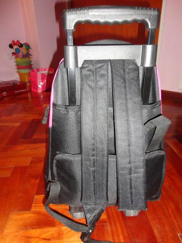 carro escolar mochila
