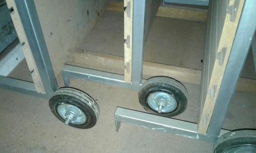 carro exhibidor con panel, tipo yegua para aros, pulseras
