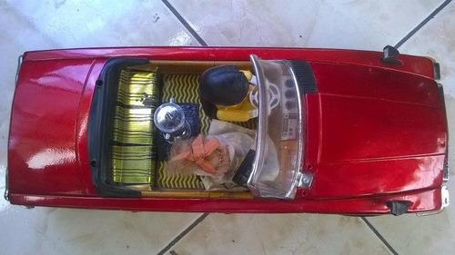 carro juguete antiguo  a pilas de coleccion años 60
