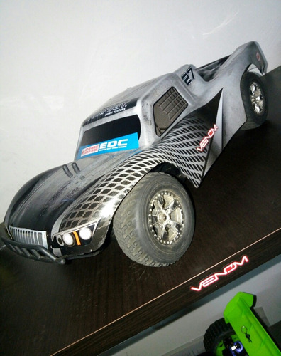 carro short course turnigy brushless lipo 60 km/h. 4wd. rc.