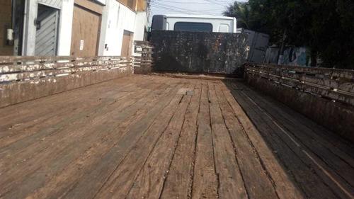 carroceria  de madeira de 6,50 de comprimento x 2.40 largura