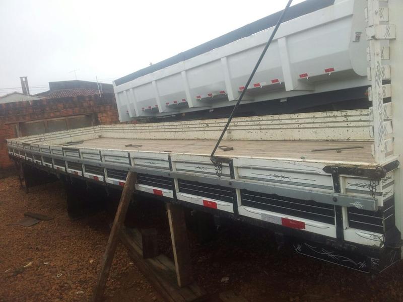 carroceria do bitruck 9 m e 20/batatais caminhões