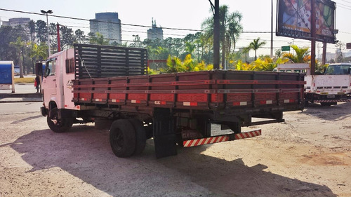 carroceria madeira 5m e carroceria ferro 5,50m 2 unid