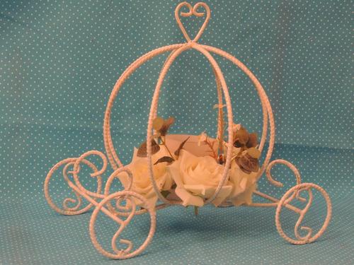 carrozas,decoracion,centros d mesa,souvenirs,candy-hierros