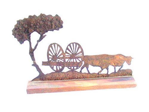 carruaje tirado por bueyes en cobre base de madera
