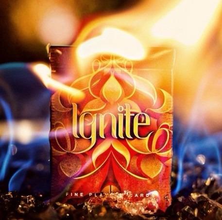 cartas poker de fuego ignite de ellusionist magia cardistry