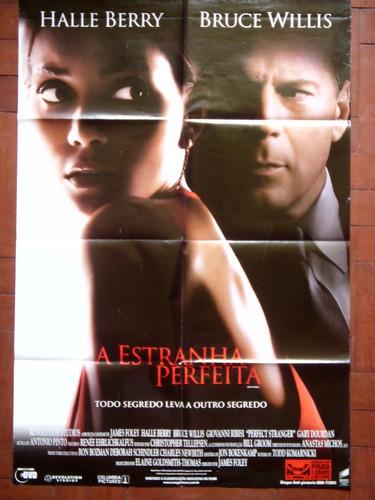 cartaz poster do filme a estranha perfeita