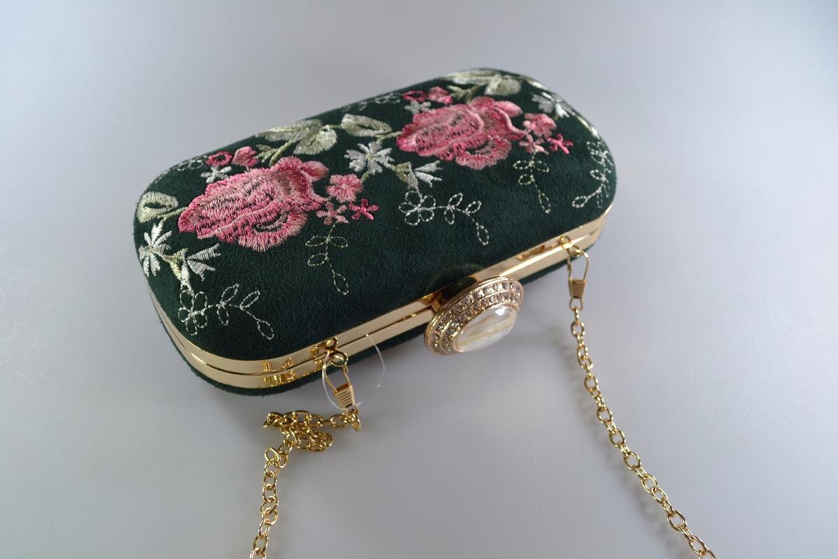 f5f0b41fe2 Carteira Clutch Feminina Flor Bordada Pink Verde Bege Me-01 - R  89 ...
