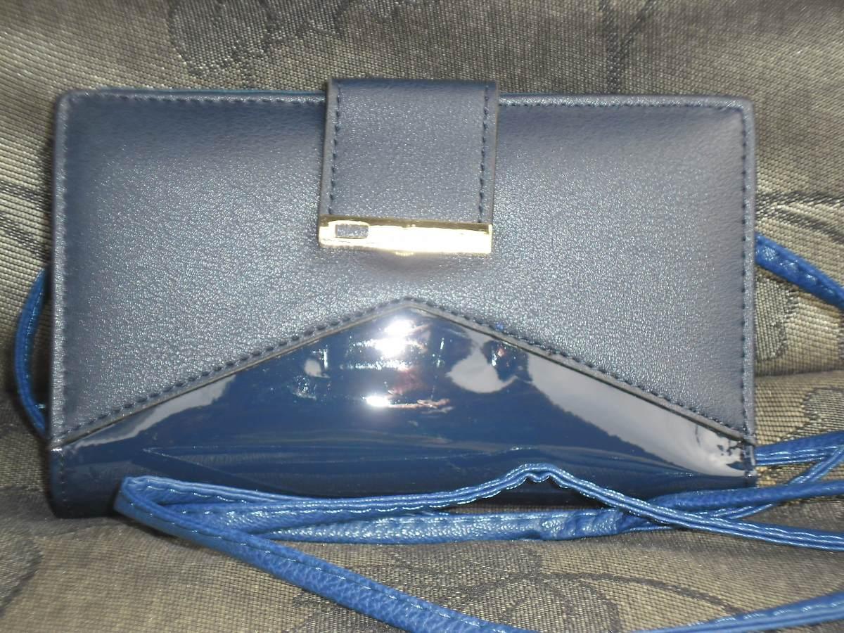 d44087a08 carteira feminina envernizada azul com alça transversal. Carregando zoom.