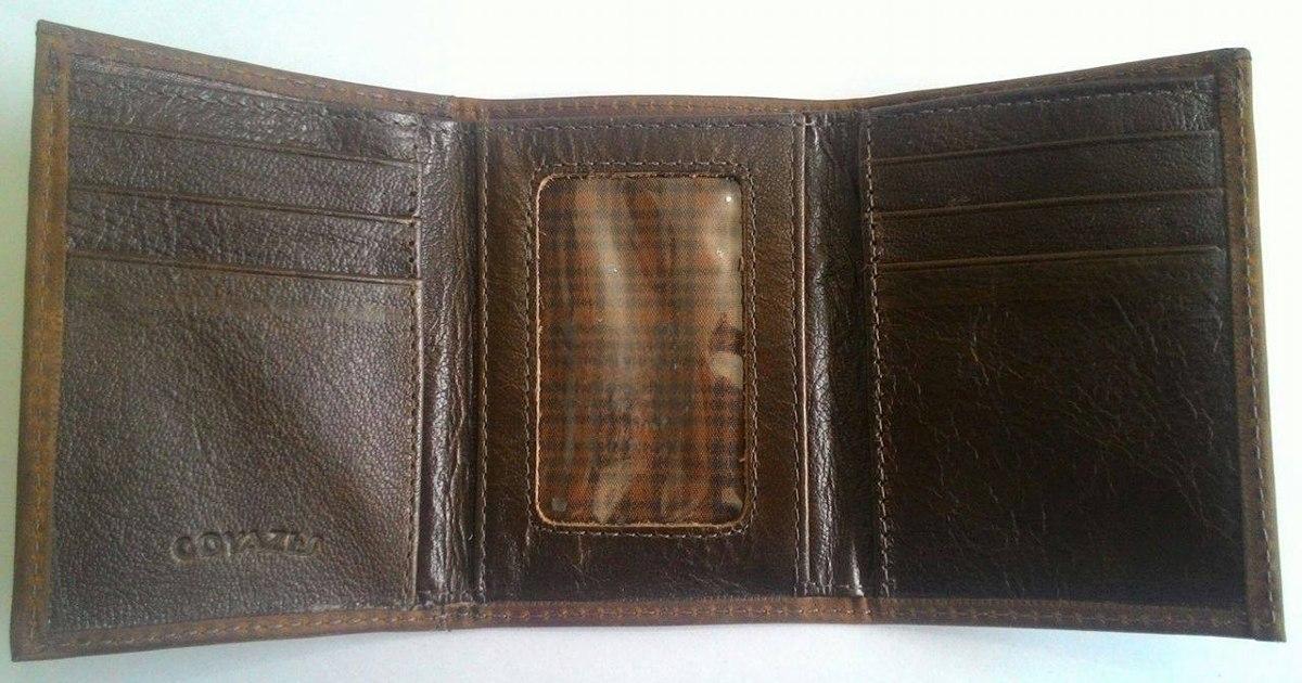 74c6e5b810a carteira goyazes em couro de jacaré e couro bovino whisky. Carregando zoom.