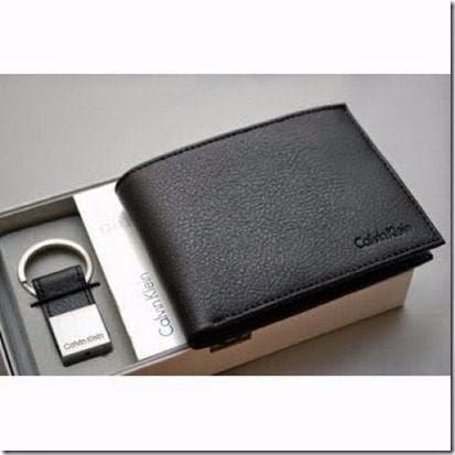 Carteira Couro Calvin Klein Pequena Marrom. Compre carteira de couro  masculina em até 10x sem juros. Carteira Couro Calvin Klein Pespontos Verde. a398ae5b95