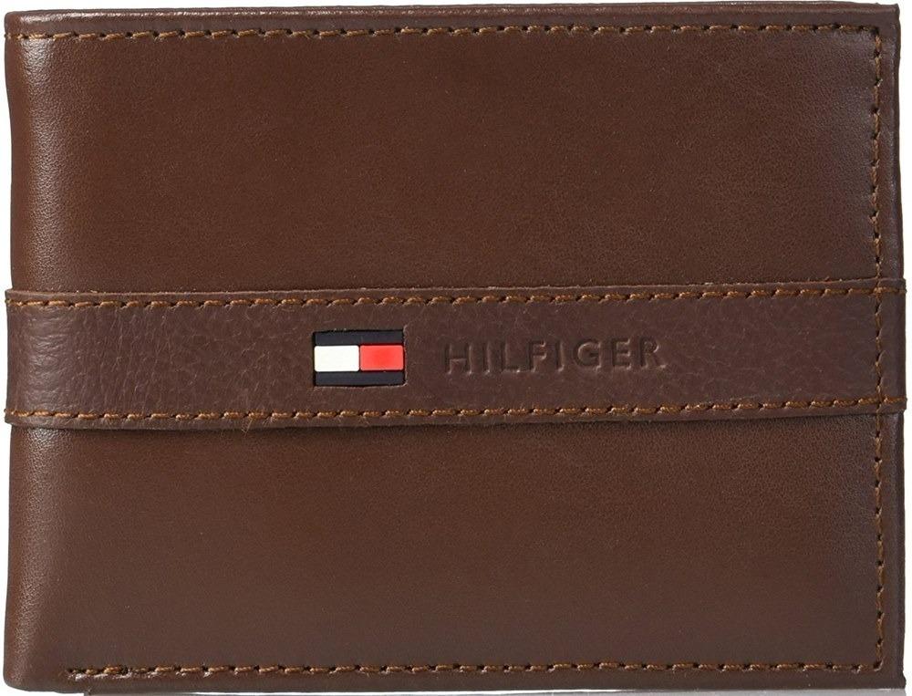 e9572c26b73 carteira masculina tommy hilfiger em couro passcase - brown. Carregando  zoom.