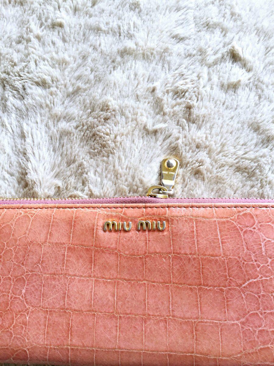 775d46b0d0909 Carteira Miu Miu Original - R  500,00 em Mercado Livre