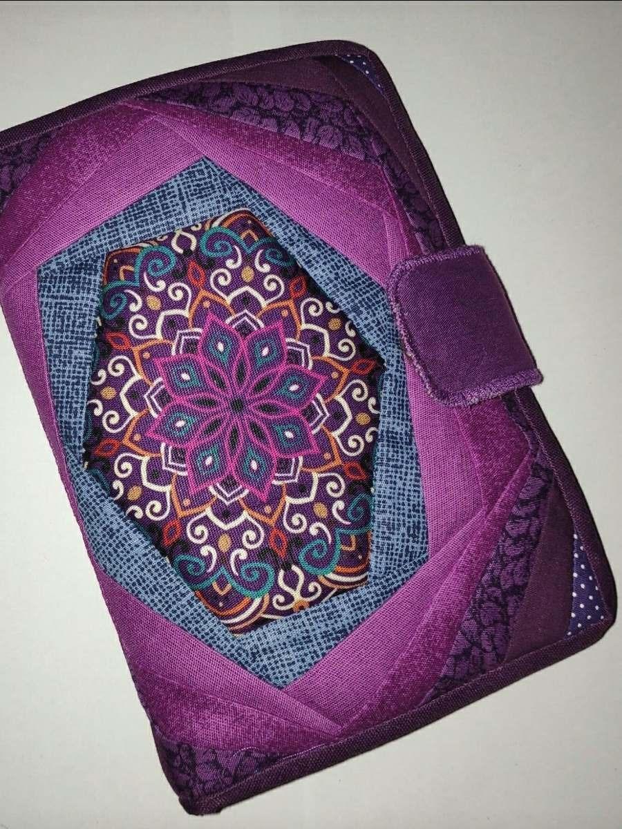 9c8c9fc62 Carteira Patchwork Mandala Roxa Tecido - R$ 65,00 em Mercado Livre
