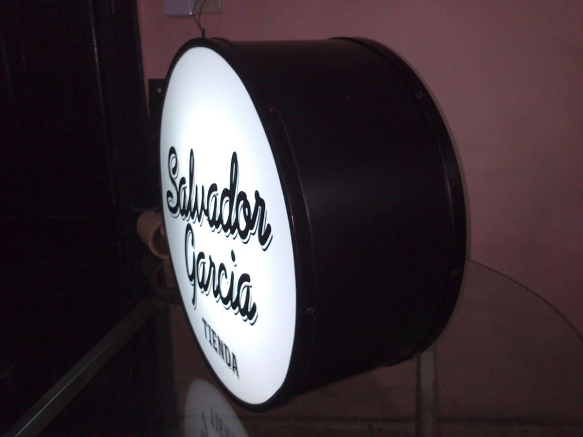Carteles Con Su Logo Luminosos Acrilicos Chatos Y Curvos - $ 3.550 ...