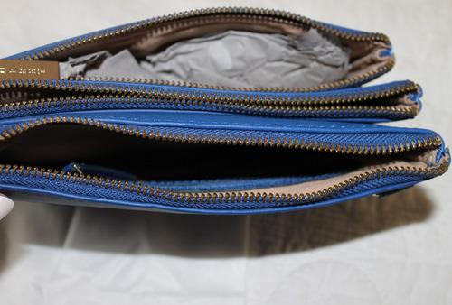 cartera clutch aubrey   trio bag  3 divisiones azul cuero