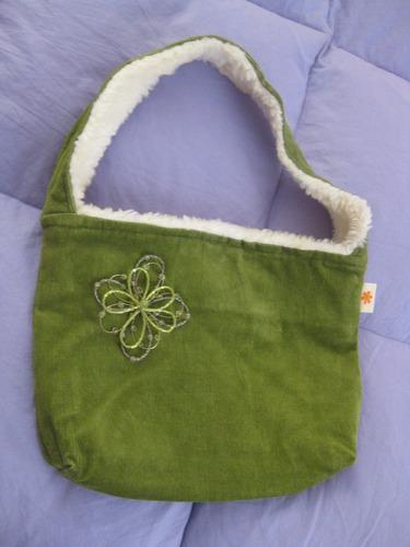 cartera corduroy verde adorno flor bisuteria diseñadora