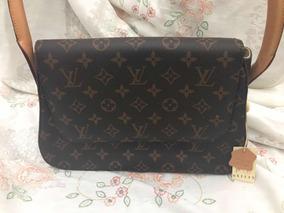 e882e089413 Bolso Mula Bolsas Hombre Louis Vuitton - Ropa y Accesorios en ...