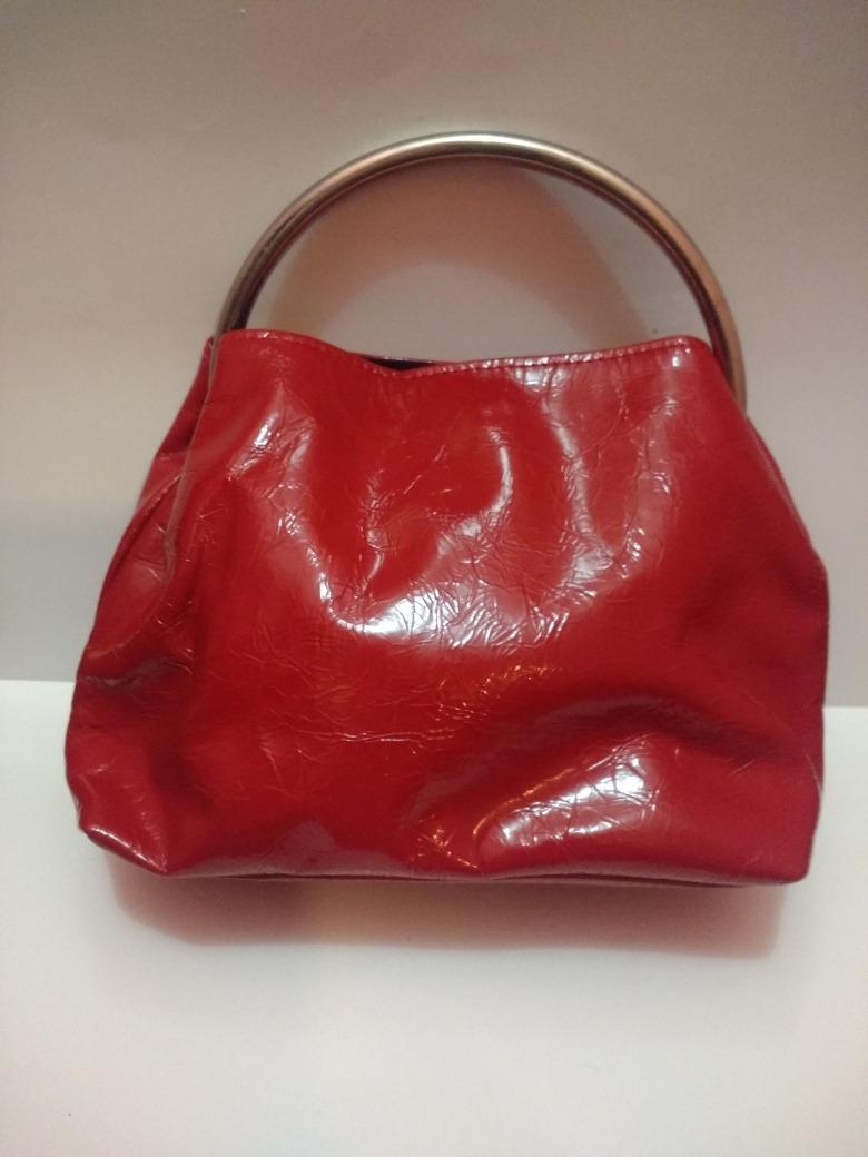 59bea8f25f4 cartera de mano roja manija redonda plateada. Cargando zoom.