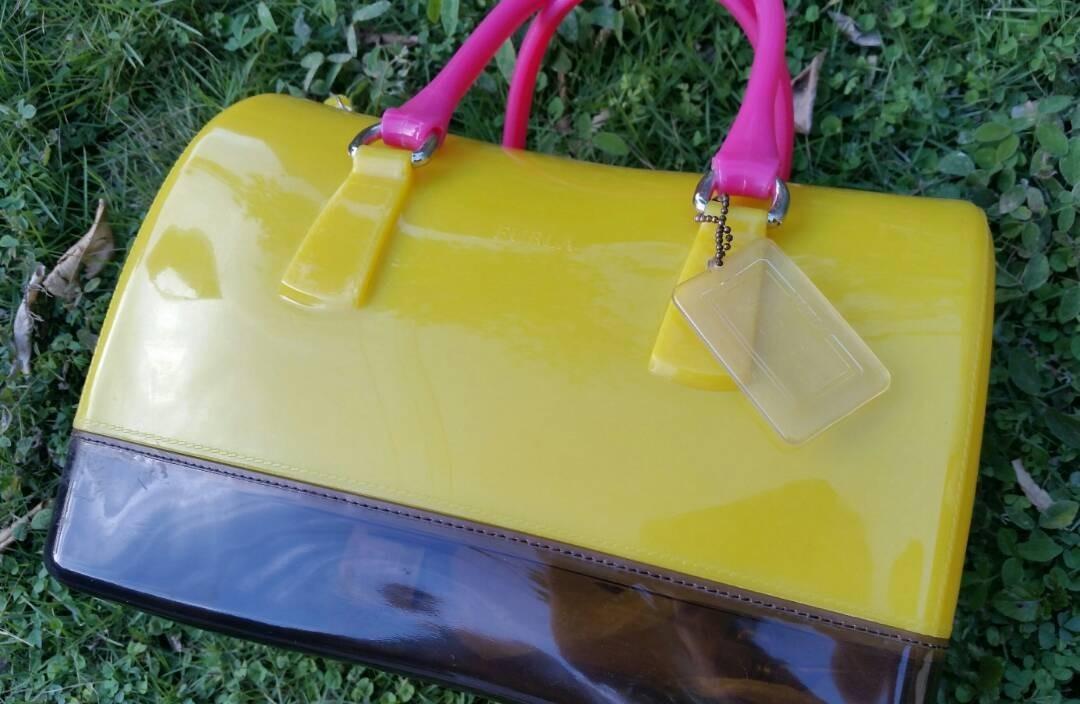 b4ec9b275 Cartera Furla, Candy Bag, Amarilla Y Negra ( Nueva). $35 - Bs. 4.540 ...