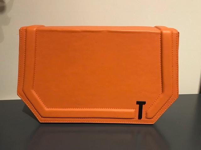 4ae45f588 Cartera Sobre Tentroya Cuero Naranja - $ 1.200,00 en Mercado Libre