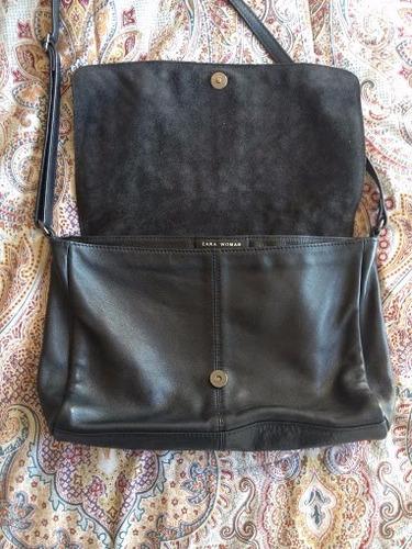 cartera zara negra de cuero bandolera con tachas