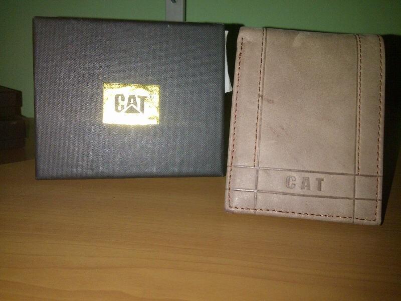 37c7e057a Carteras, Billeteras Cat 100% Originales - Bs. 5.500,00 en Mercado Libre