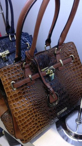 carteras lilas, excelente calidad y diseño, mayor 2u y detal