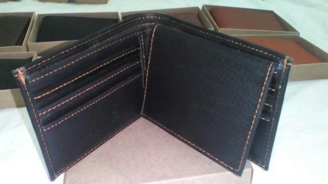 95be4d83d Carteras Para Caballeros 100% Cuero - Bs. 38,00 en Mercado Libre