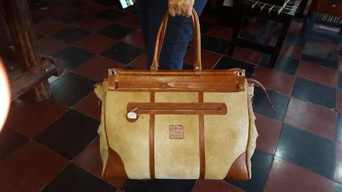 carteras y bolsos en cuero